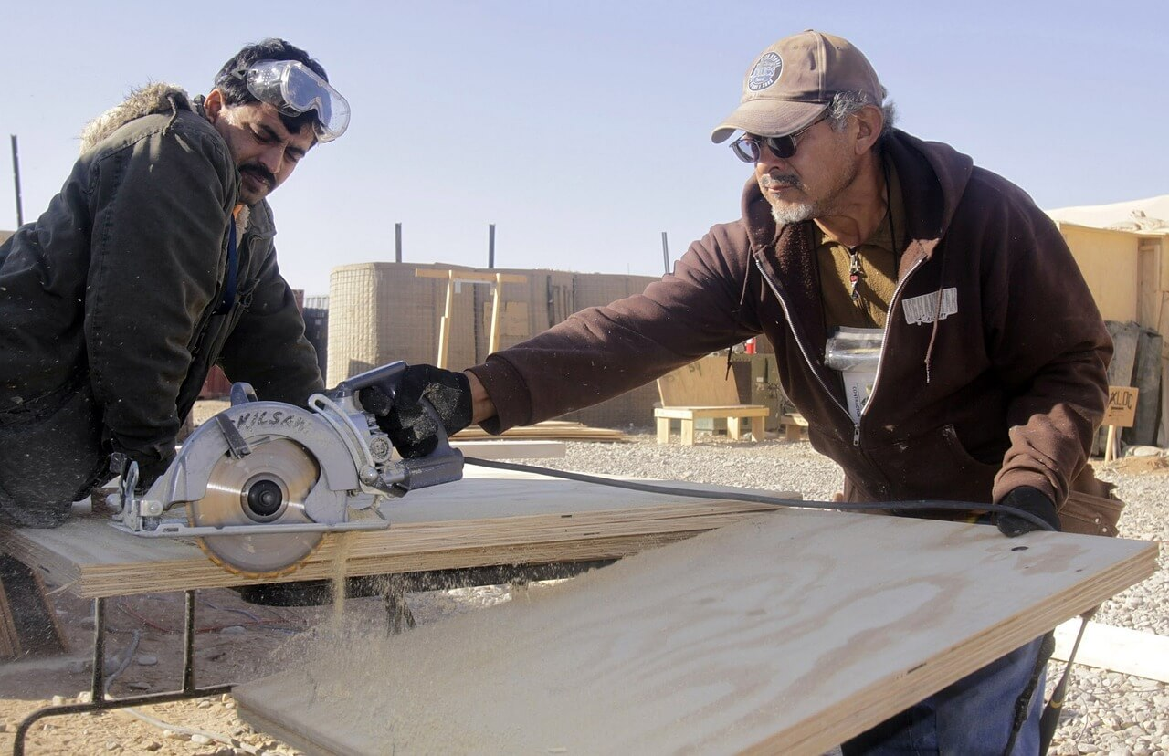 men-working-978395_1280(1)